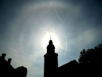 Pyramidal halos over Frankfurt am Main