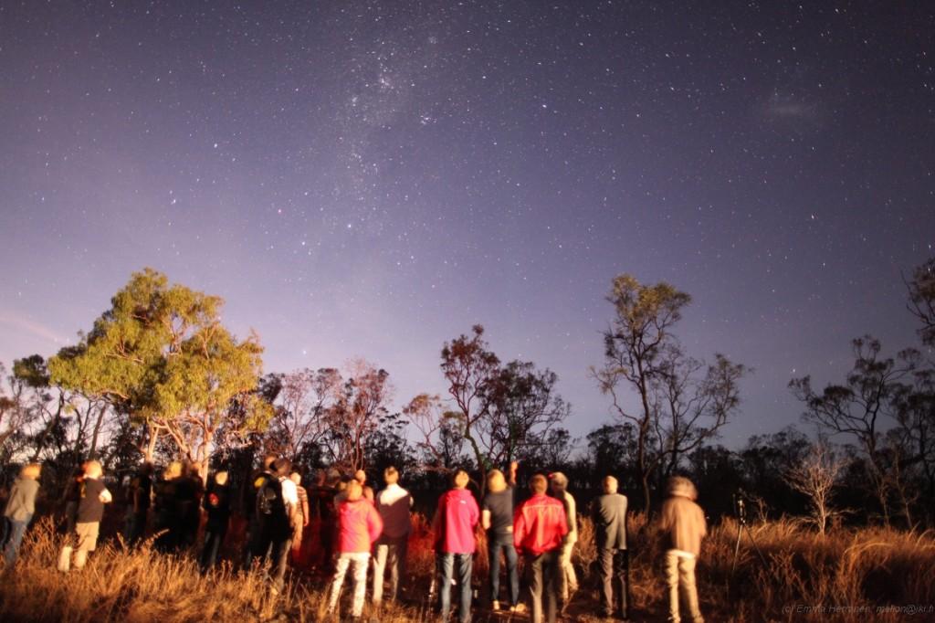 Suomalaiset tähtiharrastajat ihastelevat yötaivasta Australiassa
