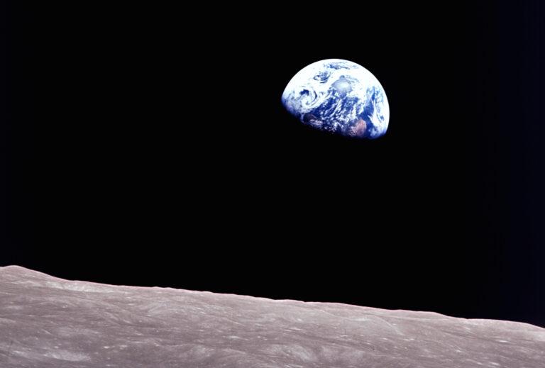Kuuluisa Apollo 8 -lennolla otettu kuva maapallosta