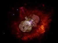 Eta Carinae kirkastuu eteläisellä taivaalla