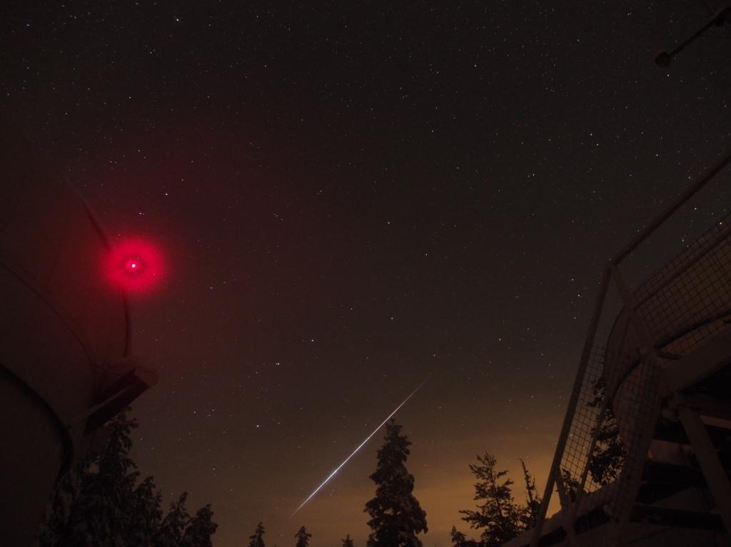 Hannu Määttäsen havaitsema geminidi-meteori joulukuussa 2014.