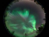 Taivas täyttyi revontulista Etelä-Suomea myöten
