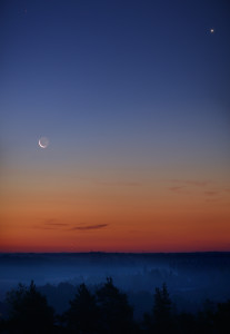 Kuu, Venus ja Mars kohtasivat 11.9.2015. Kuva: Matti Helin.