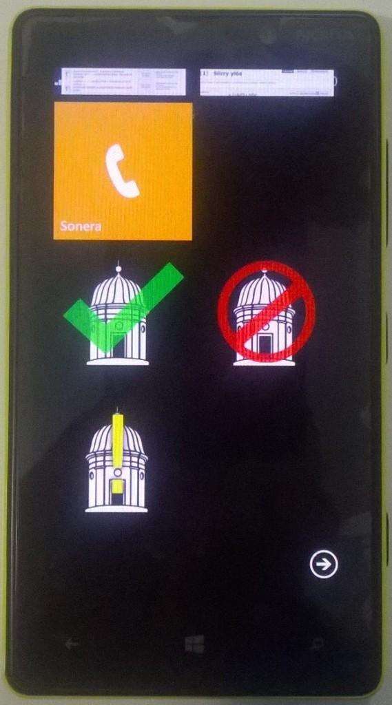 Webbiohjelman saa näppärästi sisällytettyä linkeiksi mm. Windows-puhelimelle. Tällainen on käytössä myös Kaivopuiston tähtitornilla. Jokaiselle ilmoitustyypille ('aloitus', 'peruutus' ja 'muu huomio') on oma näppäimensä.