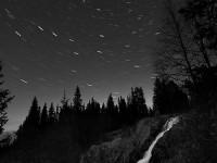 Mustavalkoiset yöt