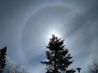 Lukijoiden kuvia -Kevään valoilmiöitä ja aurinkokunnan kappaleita