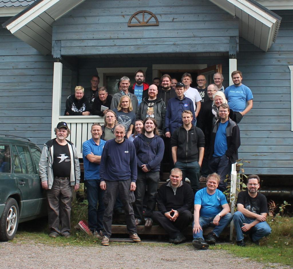 Syvä taivas -tapaamisen ryhmäkuva 2017. Kuva: Juha Ojanperä