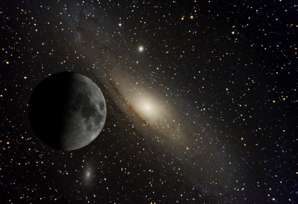 Andromedan galaksi ja Kuu
