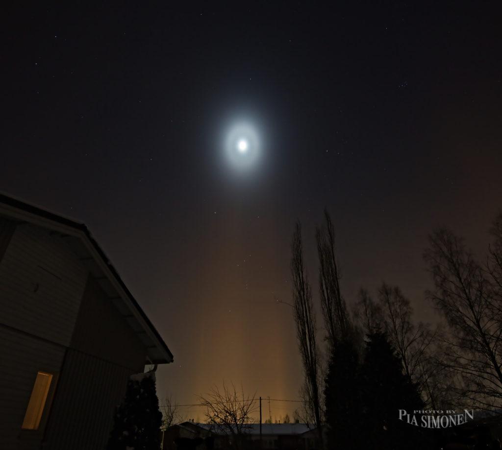 Ellipsihalo Orimattilan taivaalla. Kuva Pia Simonen