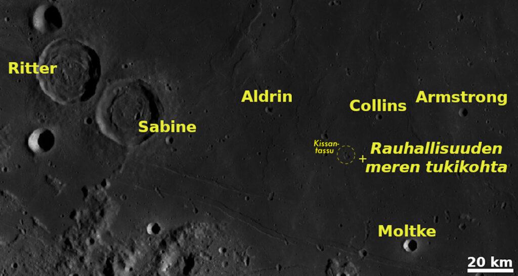 Mare Tranquillitatiksen lounaisreunaa. Apollo 11 -lennon laskeutumispaikka on merkitty karttaan rastilla. Sen vieressä oleva ympyröity, virallisesti nimetön kohde, tunnetaan lempinimellä Kissantassu. Lunar 100 -luettelossa Sabine ja Ritter on numerolla L38. Armstrong, Collins ja Aldrin on saanut numeron L90. Kartta: Nasa / ASU / LRO WAC / QuickMap / T. Öhman.