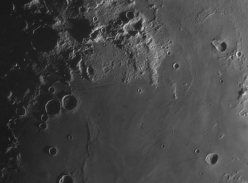 Tältä Apollo 11:n laskeutumisalue näytti kaukoputkessa 31.5.2017 kello 20.41. Kuvassa pohjoinen on alhaalla ja itä oikealla. Kraatteripari Sabine ja Ritter on vielä osittain varjossa, Sabinen pohjaa on jo hieman näkyvillä. Armstrong, Collins ja Aldrin on merkitty kuvaan. Myös Rimae Hypatia on saatu vangittua havaintoon hienosti. Kuvan yläreunassa Hypatian kraatteri erottuu niin ikään kauniisti. Kuusta on ollut valaistuna 41,6 %. Kaukoputkena havainnossa on ollut Celestron CPC1100 (objektiivi 280 mm) ja kamerana ASI 224MC. Kuva: Lasse Ekblom.