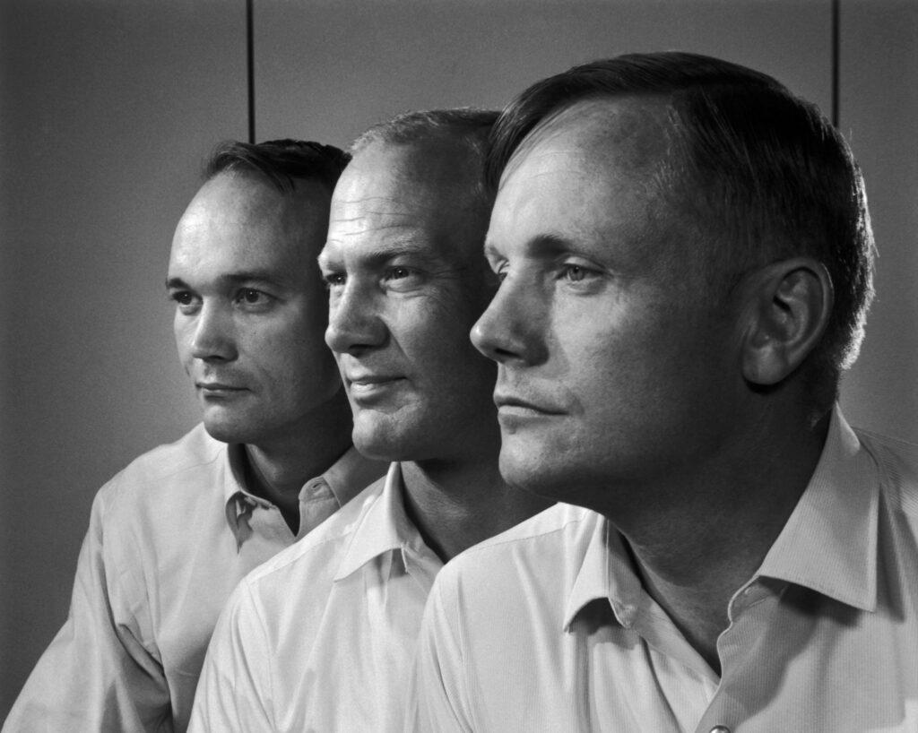 Apollo 11:n miehistö vasemmalta oikealle Michael Collins, Buzz Aldrin sekä Neil Armstrong. Kuva: Yousuf Karsh. Julkaistu Estate of Yousuf Karshin luvalla.