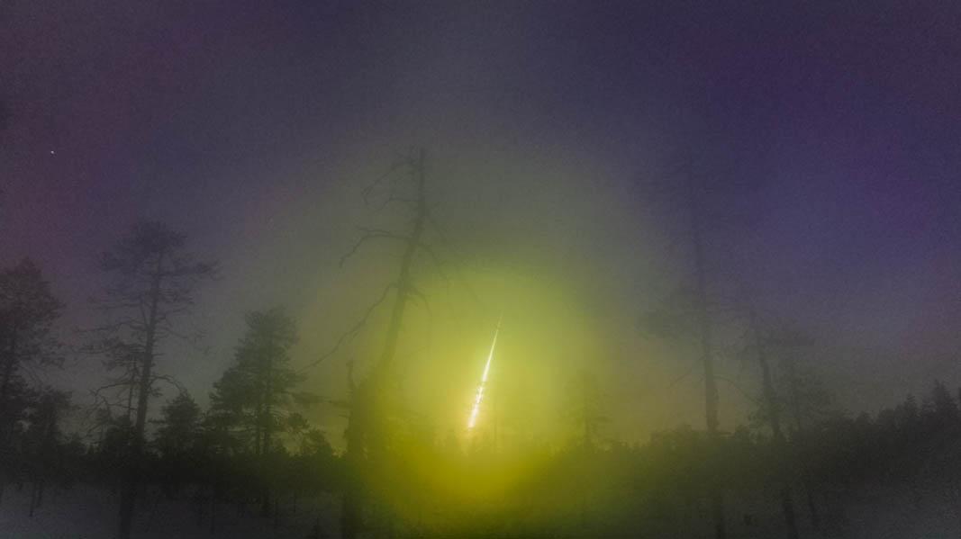Meteorite Annama retrouvée suite bolide Murmansk Fireball_by_Aikkila